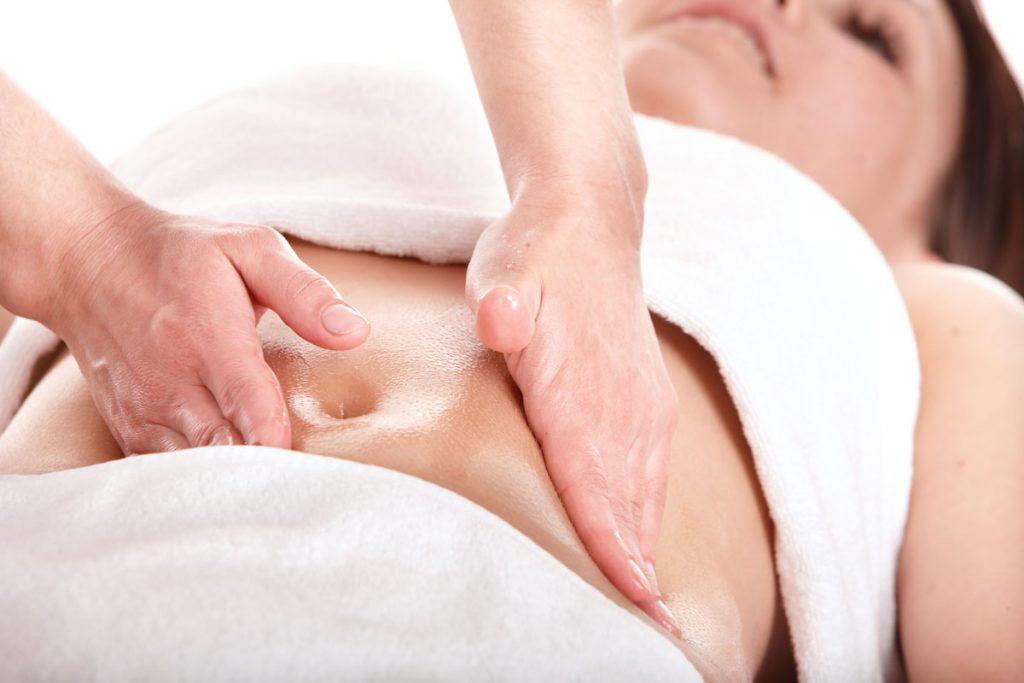 Как делать массаж живота при вздутии?