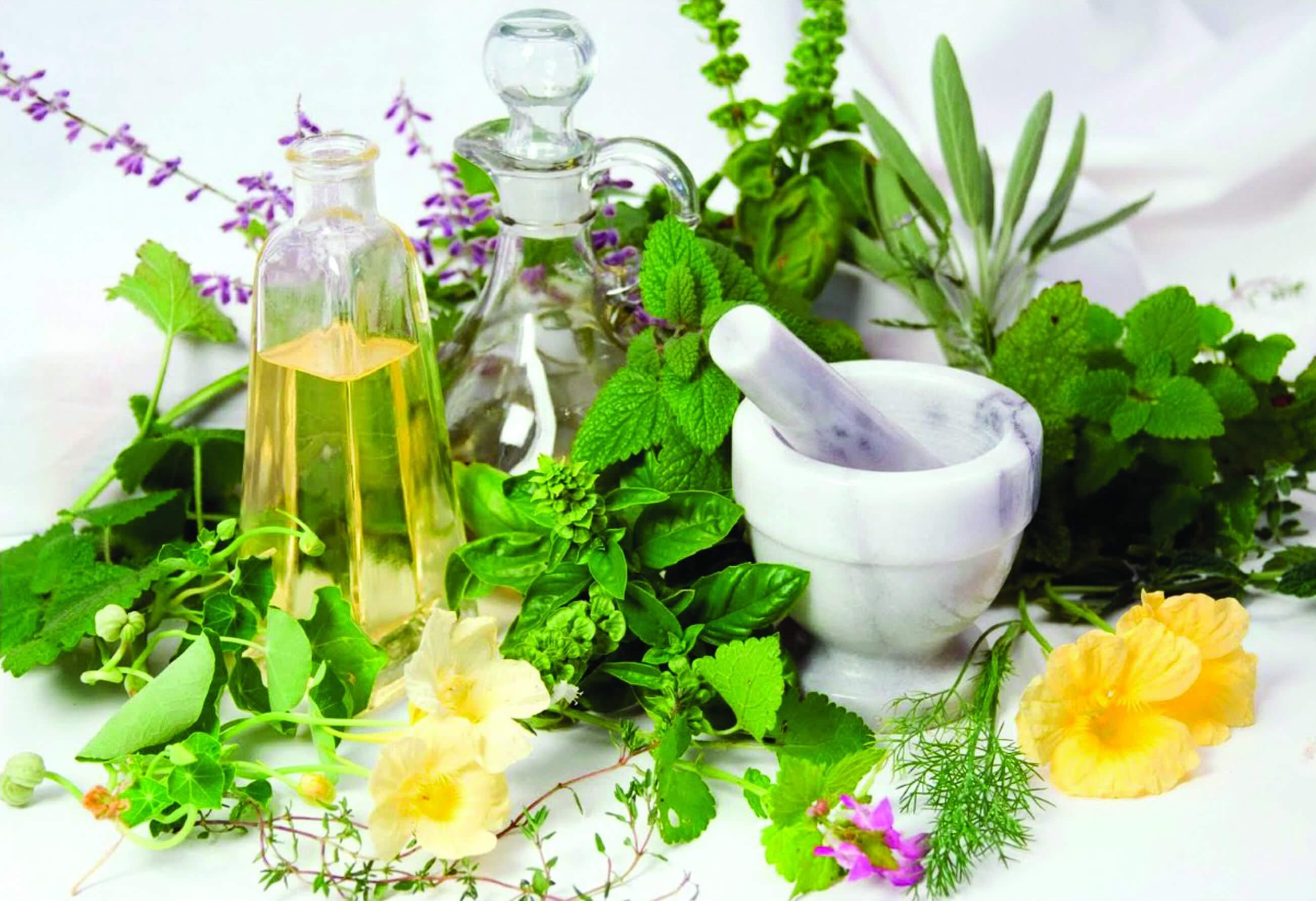 Вздутие живота и горечь во рту: причины, лечение