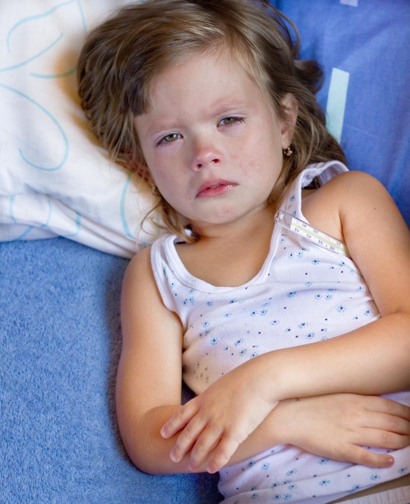 Вздутие живота у ребенка – причины, лечение
