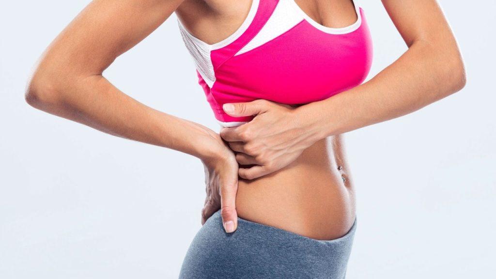 Боли в правом боку под ребрами спереди и вздутие живота: причины